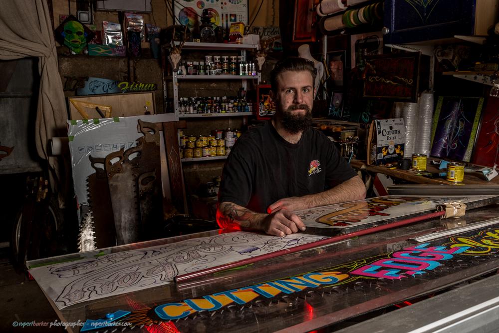 Dan Payne pinstriper sprayer and hand lettering