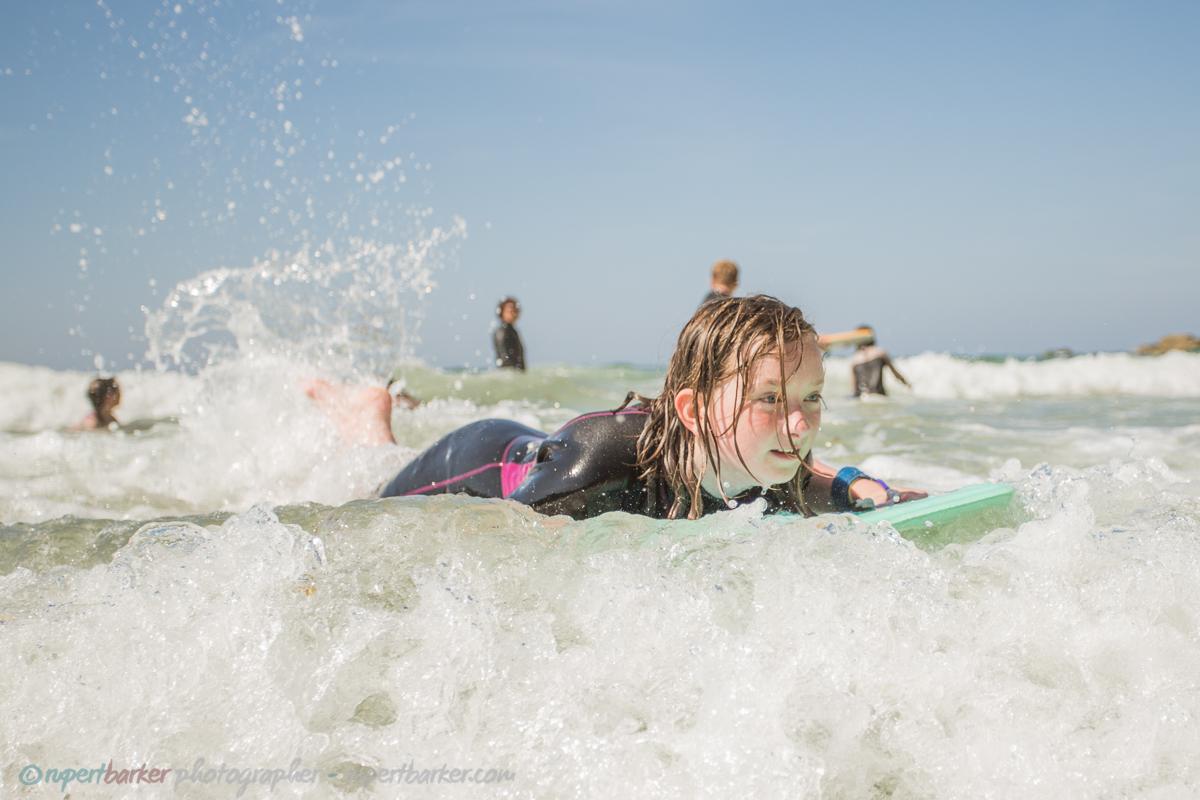 trevaunance cove cornwall beach surfer girls bodyboard