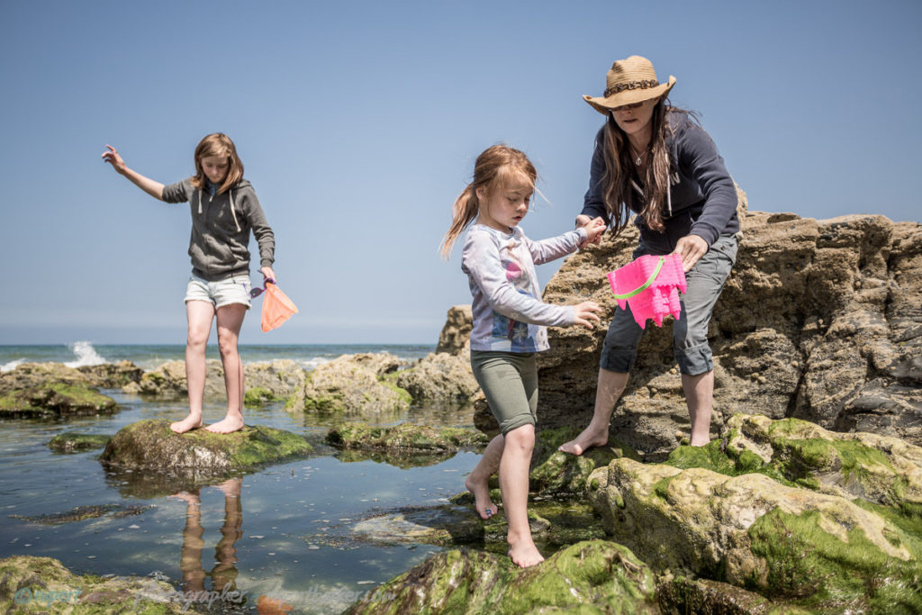 rock pools st agnes cornwall girls daughter