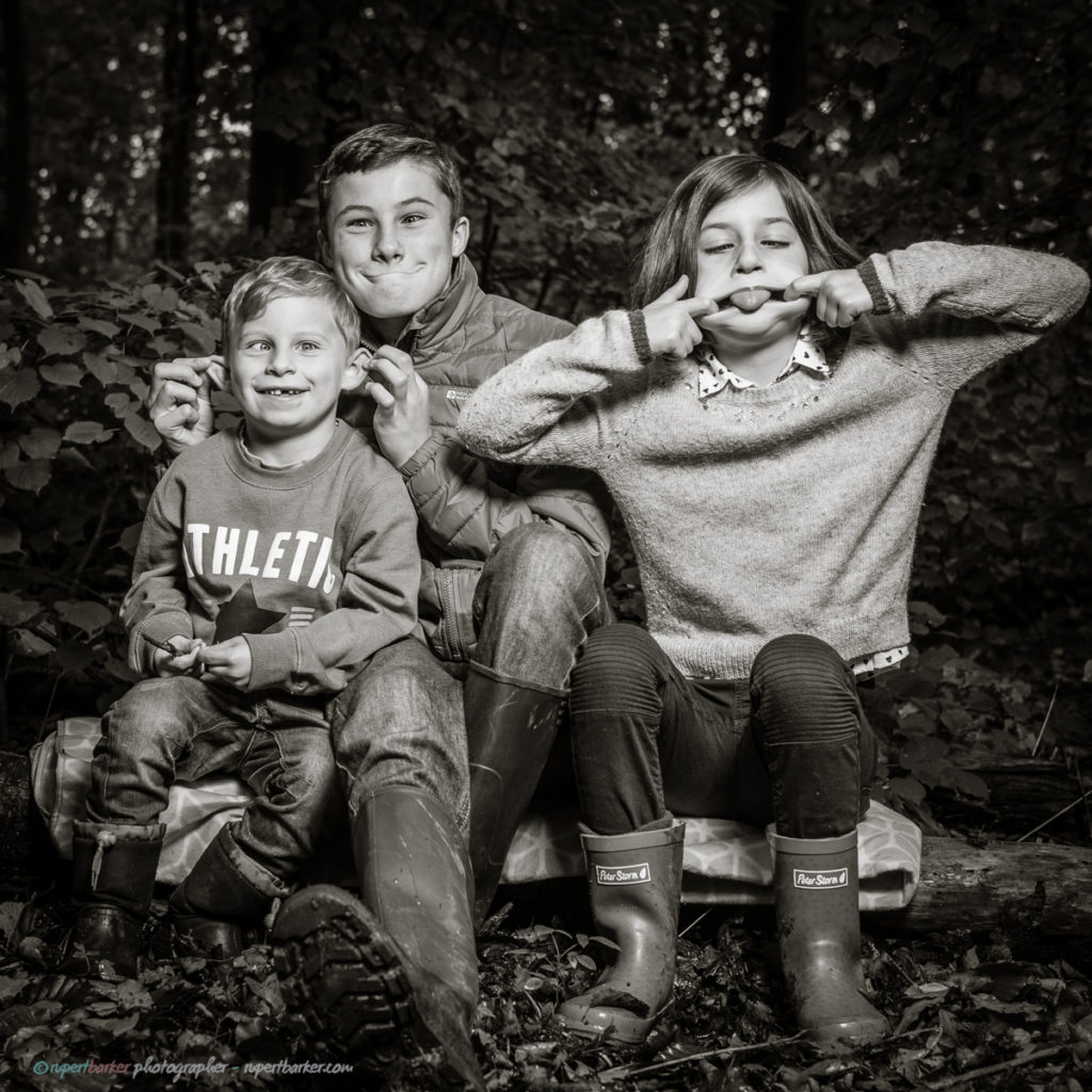 family photoshoot autumn woods behind the scenes